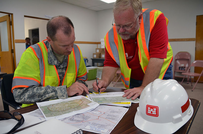 800px-usace_discusses_temporary_levee_construction_plans